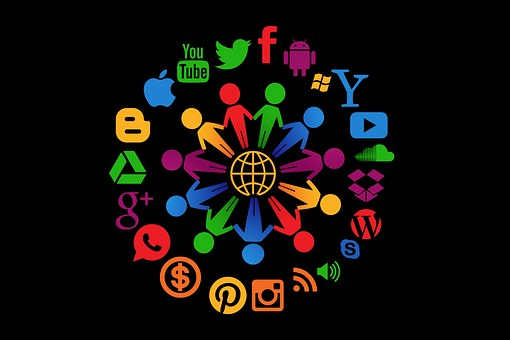 You are currently viewing Playing the customer service social media game – to win
